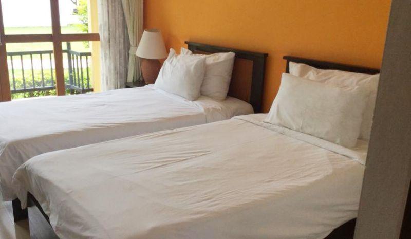 เตียงนอนโรงแรม
