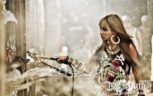 """2NE1 เปิดตัวภาพจากมิวสิกวีดีโอเพลงใหม่ล่าสุด """"Ugly"""""""