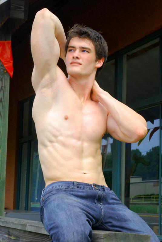 Ryan Sandefur « Male Muscleboykanan