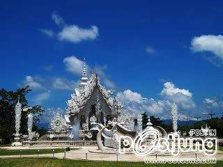 2 - Wat Rong Khun in Chiang Rai       วัดร่องขุ่น (Wat
