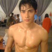 หนุ่มหล่อเซ็กซี่ที่ไม่ใช้คนไทย