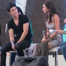 แฟนคลับกรี๊ด! ซีวอน  โชว์แมนถอดเสื้อคลุมขา แพนเค้ก