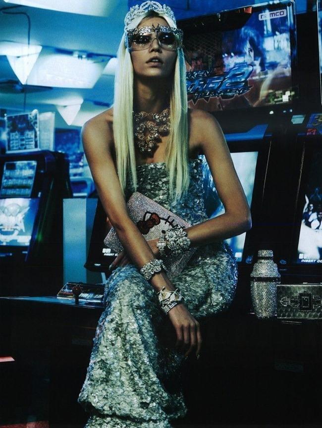 "VOGUE JAPAN: ALINE WEBER IN ""THE GIRL WHO ROCKS THE PLANET"" BY PHOTOGRAPHER GIAMPAOLO SGURA"