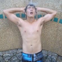 พี่อาเล็ก ธีรเดชกับชุดว่ายน้ำค่ะ