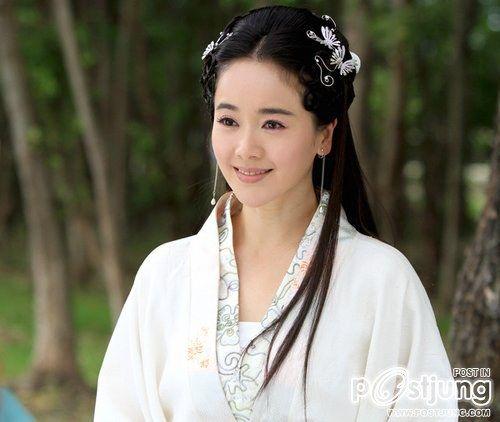 Zuo Xiao Qing as Bai Su Zhen (Love of the Millenni
