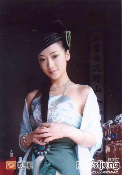 Chen Zi Han as Xiao Qing (Madame White Snake 2006)