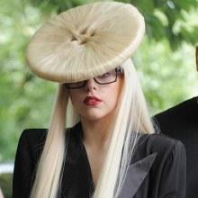 วันนี้ Lady Gaga จะมาถึงท่าอากาศยานดอนเมือง ด้วยเครื่องบินส่วนตัวประมาณ 17.30 สาวก รีบไปกันเยอะๆนะ