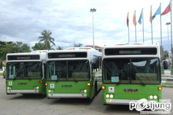 ที่นี่ก็จะมีรถเมล์ใหม่ สะอาดติดแอร์ด้วย จะไปที่ไหนก็ศืกษาเส้นทางให้ดีก่อนนะ