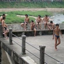 เด็กจีนทำอะไรกันนะ