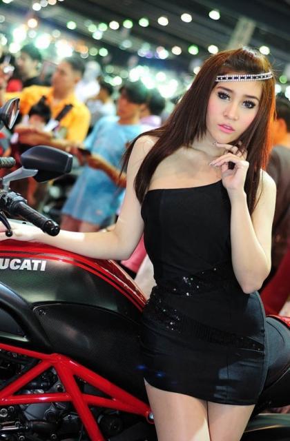 พริตตี้ Ducati แจ่มจรัสจริง ๆ