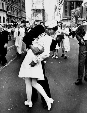 จูบแห่งตำนาน ที่ Times Square ค.ศ.1945