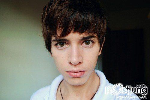 หนุ่มหล่อตาสวย