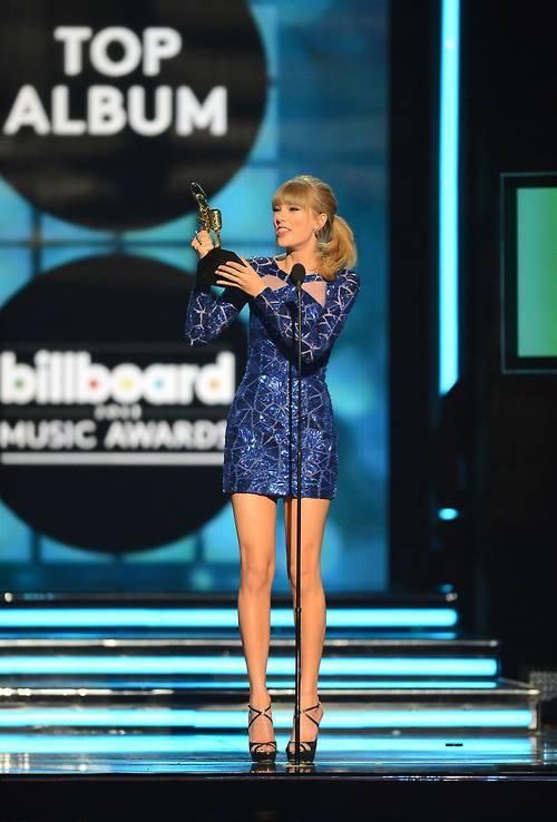 โอ้ว ! คุณพระ Taylor Swift คว้า 8 รางวัล ในงาน Billboard Awards 2013