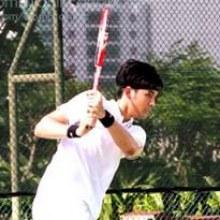บอม ธนิน   คุณชายสสุดเท่@โชว์ลีลาหวดลูกเทนนิส