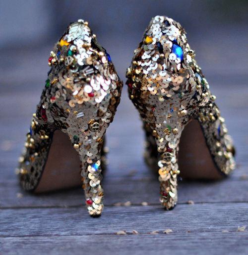 DIY ทำเองได้เริ่ดๆ  รองเท้าหรูระดับดีไซเนอร์