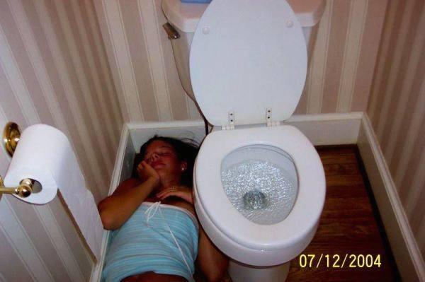 ฉาว!! แอบถ่ายสาวในห้องน้ำ