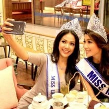 Miss Universe Myanmar With Miss Universe Thailand 2013