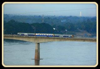 รถไฟข้ามแม่น้ำโขง