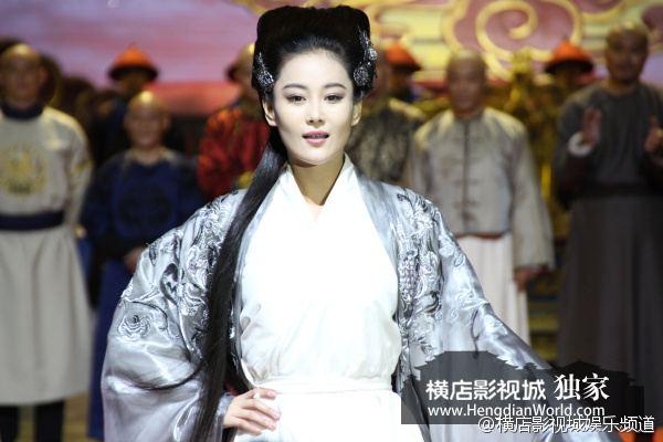 อุ้ยเสี่ยวป้อ ตำนานเหนุ่มจ้าวสำราญ ฉบับใหม่《鹿鼎记》 New Legend Wei Xiao bao 2013-2014 part23