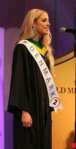 สาวไทยคว้า Miss Sincerity นางงามมหาวิทยาลัยโลก 2014