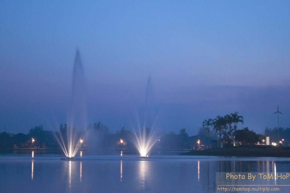 สวนน้ำบุ่งตาหลั่ว ร.๙ @ Korat น่าเที่ยวมากๆ