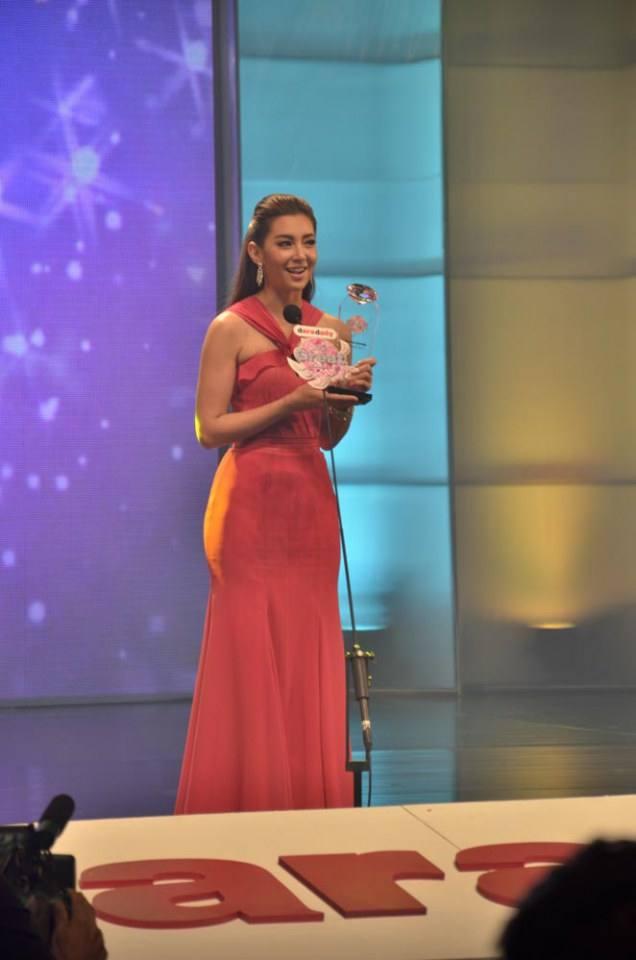 ดาราเดินพรมแดง งานประกาศผลรางวัล Great Award 2557 โดยหนังสือพิมพ์ ดาราเดลี่