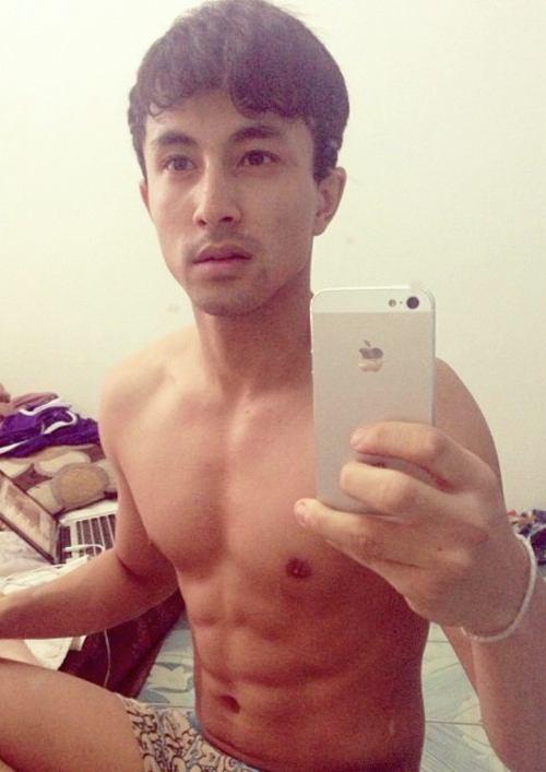 [iGaysMediaMember004] หนุ่ม Selfie กับ หลุมพลางทางเพศ
