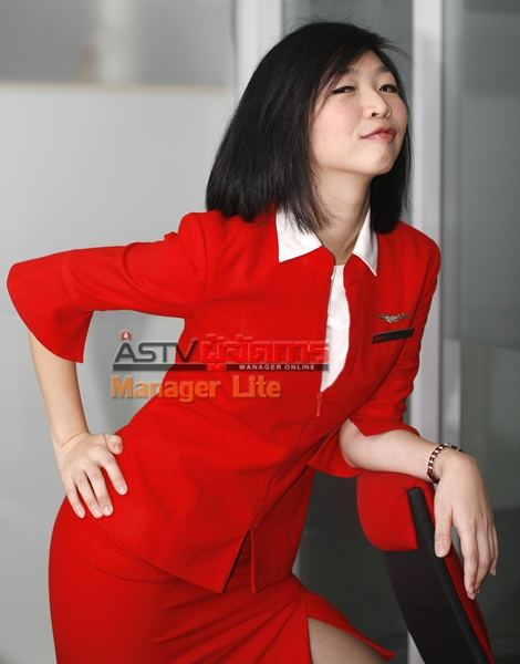 ชาวเน็ตเปรียบเทียบ เลดี้ดาด้านางฟ้าAirAsia แซบมาแรงคล้าย กาก้า