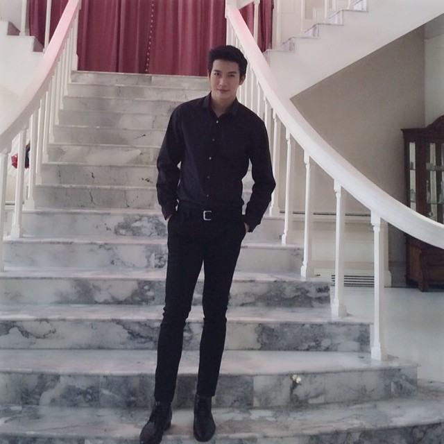 รวมดารา-นักร้อง ชายที่ขาสวย (1)