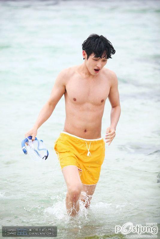 หนุ่มเกาหลี ขาววิ๊ง