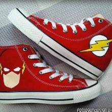 รองเท้าสุดเท่ห์จากซีรีส์สุดมันส์ The Flash
