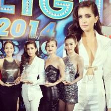 เซ็กซี่สะท้านลมหนาว เหล่าดาราช่อง 7 พาเหรดขึ้นรับรางวัล  Star's Light Awards 2014