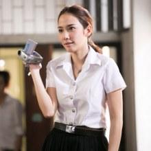 อั้ม พัชราภา  วัย 36 กะรัต ใส่ชุดนักศึกษามหาลัยย้อนวัย ในผลงานภาพยนต์ล่าสุด!!