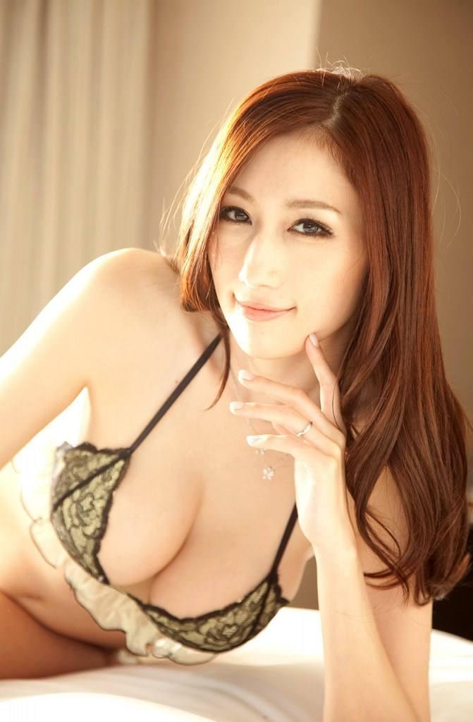 จูเลีย สาวเอวีญี่ปุ่นที่มีปัญหาหนักอกหนักใจที่สุด
