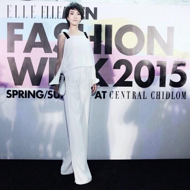 """""""มิน พีชญา"""" ในงาน Elle Fashion week 2015 มาในลุคผมสั้น!!"""