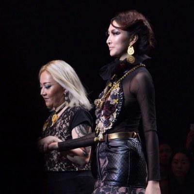 'แพนเค้ก เขมนิจ' ทวงบัลลังก์ซูเปอร์โมเดล ดีกรีนางเเบบโลก ในงาน Elle Fashion Week 2015