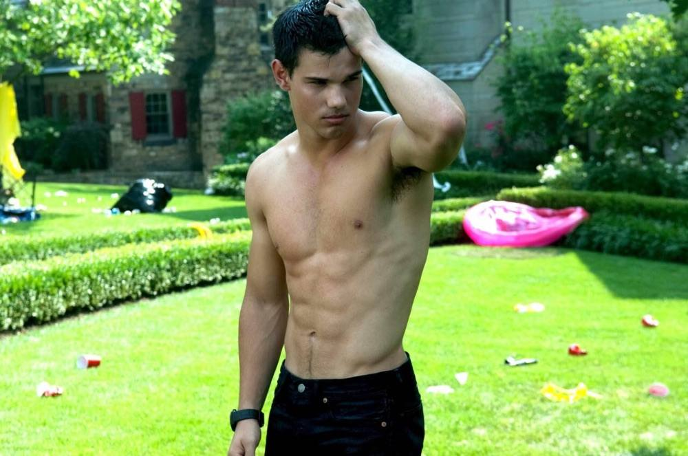 Taylor Lautnet in Abduction