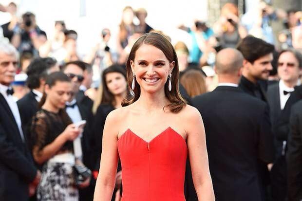 Natalie portman มาในชุดสีแดงหรูเลอค่า  ใน พรมแดงเมืองคานส์