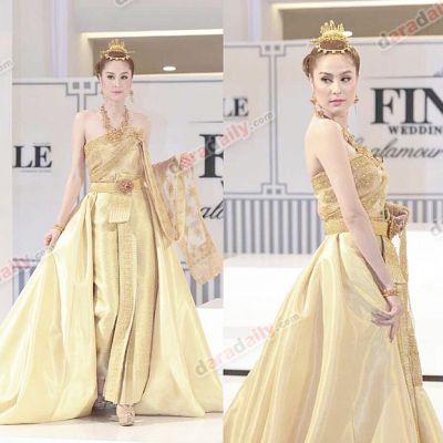 ขวัญ อุษามณี  นางเอกสาวลูกครึ่งที่ใส่ชุดไทยสวยสง่าสะพรึงสุดๆ ในงานแฟชั่นโชว์ Finale Wedding Studio 2015!!