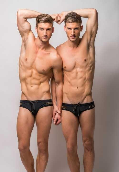 แฝดสุดหล่อ Nicholas and Campbell Pletts