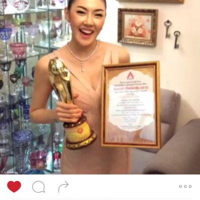 พักโชว์ sexy เก๋ เลเดอเรอร์ สวมชุดมิดชิดมูลค่ากว่า 10 ล้านบาท ถูกเลือกให้รับรางวัล asean awards 2015