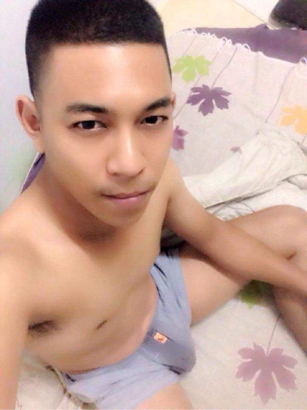 Thai Man on Twitter2