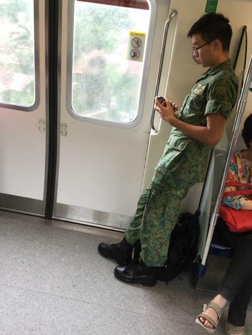 รวมทหารเอเชียน่ารักน่ากิน