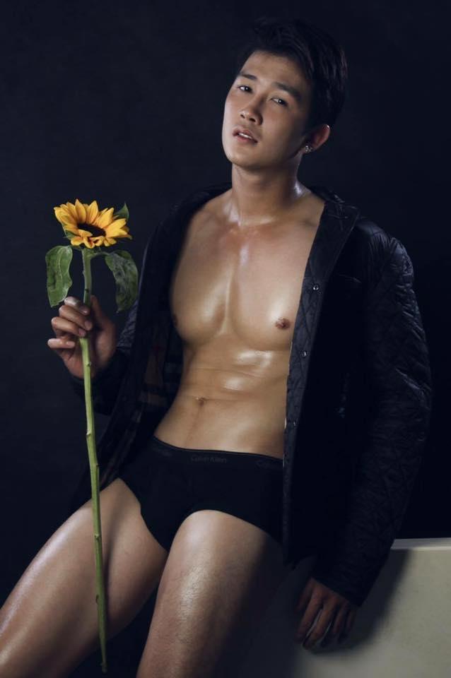 Hot guy in underwear 125
