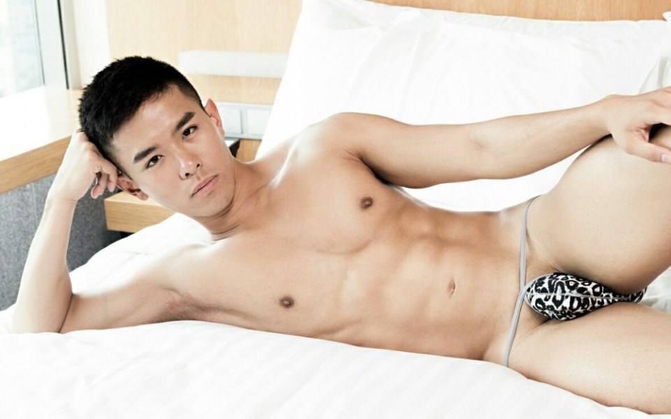 hot male 202 (18+)