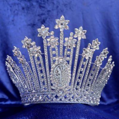 มงกุฎกระดาษ 'Paper Crown' 1