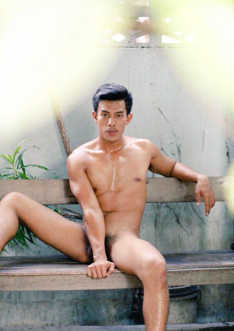 hot male 255 (18+)