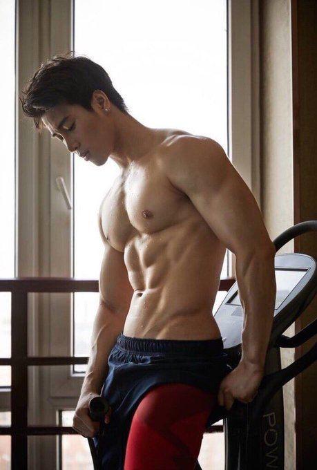 hot male 286 (18+)