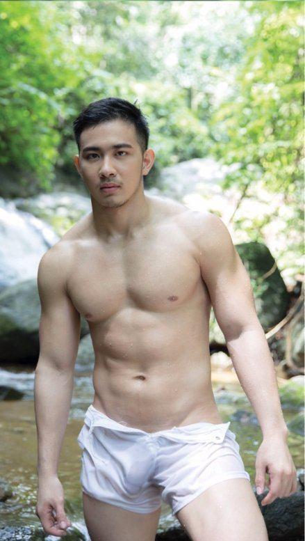 hot male 329 (18+)