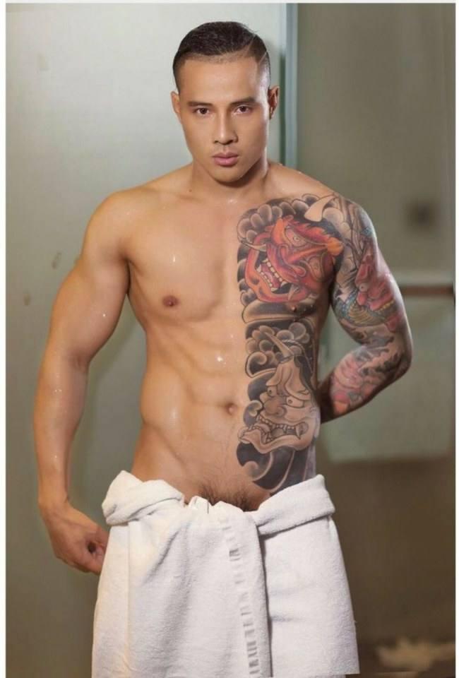 hot male 383 (18+)